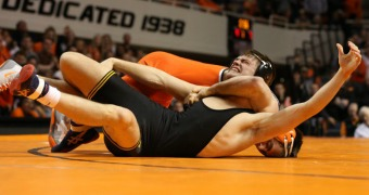 No. 1 Oklahoma State tops Iowa, improves to 6-0